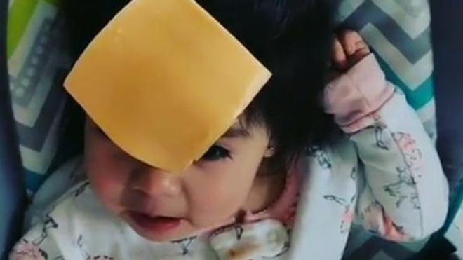 Les bébés sont souvent tétanisés