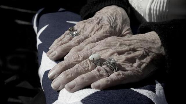 Le gouvernement renonce à la fin de l'exonération fiscale pour les personnes âgées avec aide à domicile