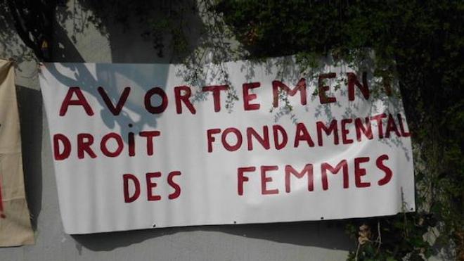 Menace de grève des IVG : nouvelle plainte déposée contre le Syngof