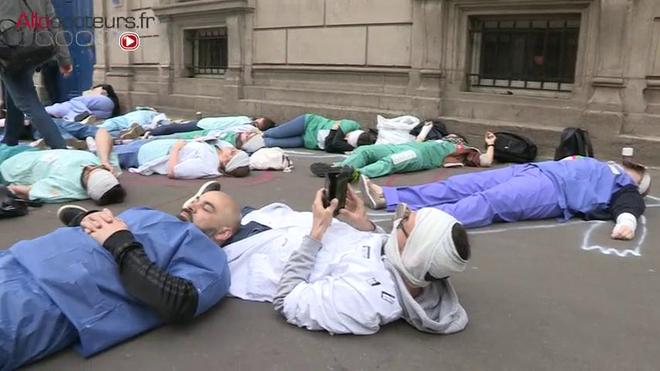 Hôpitaux de Paris : la grève aux urgences continue