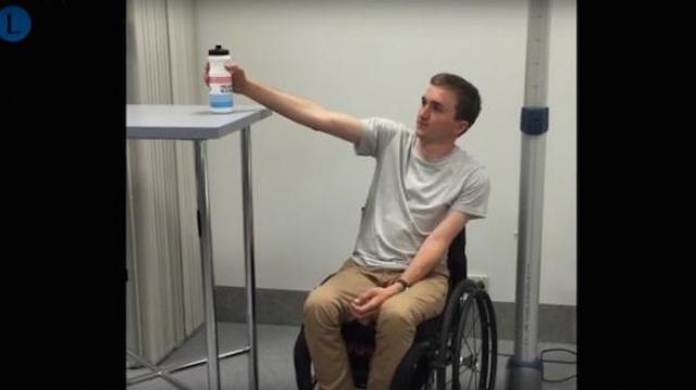Des tétraplégiques retrouvent l'usage de leurs bras grâce à un transfert de nerfs