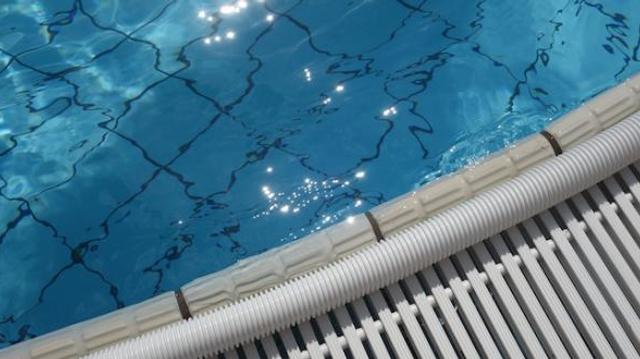 Désinfectants pour piscines : l'Anses appelle à la prudence
