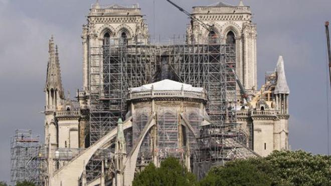 """Notre-Dame : """"L'intoxication au plomb est grave pour tout le monde"""""""
