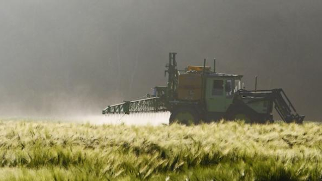 Pesticides : les tumeurs cérébrales de deux agriculteurs reconnues maladies professionnelles