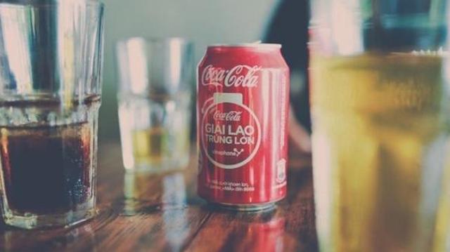 Boire beaucoup de boissons sucrées ou édulcorées augmente le risque de décès