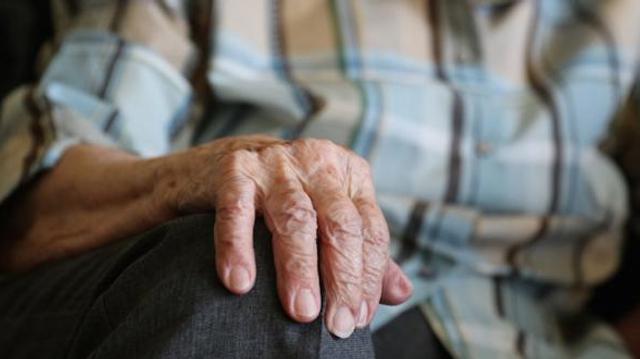 Grand âge : Jean Castex annonce un effort de 400 millions d'euros en 2022