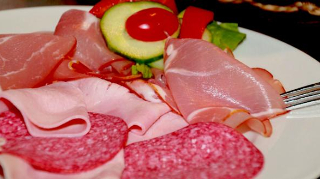 Charcuterie, fromages, poissons crus... : Comment éviter les intoxications ?