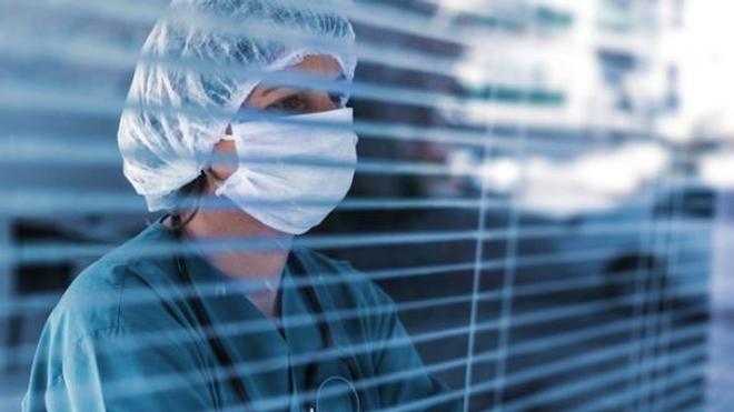 Coronavirus : le nombre de décès repart à la hausse avec 833 morts en 24 heures