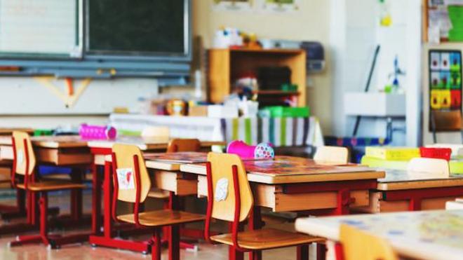 Covid : deux écoles élémentaires ferment à Paris