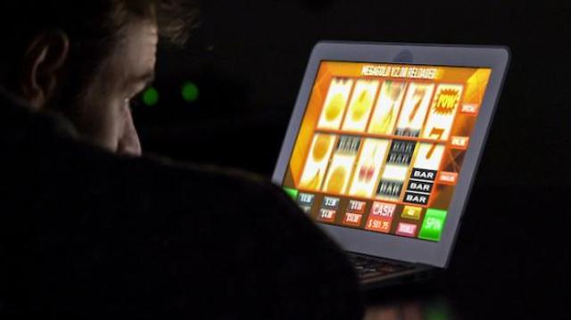 Addiction aux jeux : plus d'un million de joueurs à risque modéré en France