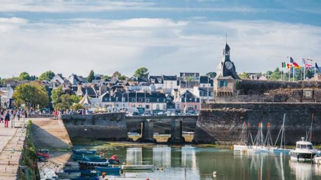 Image d'illustration. La ville de Concarneau, en Bretagne, où le port du masque est désormais obligatoire sur les marchés pour limiter les contaminations au coronavirus.