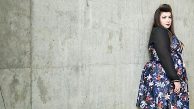 """Virginie Grossat, 32 ans, influenceuse mode, se définit elle-même comme """"grosse""""."""