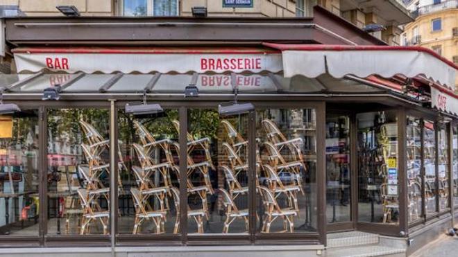 Image d'illustration. Un bar fermé à Paris à cause de l'épidémie de coronavirus.