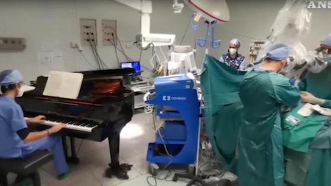 #EnfinUneBonneNouvelle : la musique détend, même sous anesthésie