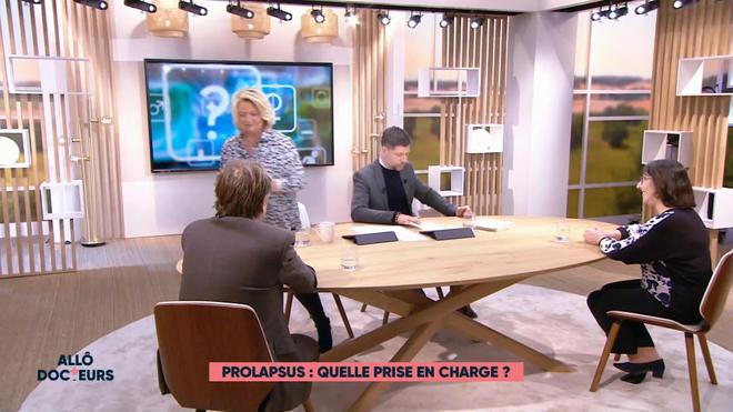 Marina Carrère d'Encausse et Philippe Charlier expliquent le prolapsus, ou descente d'organes.