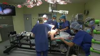 Attention, images de chirurgie : opération d'une scoliose