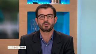 Marina Carrère d'Encausse et Benoît Thevenet expliquent les malformations cardiaques des nouveaux-nés.