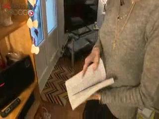 Sylvie souffre de tremblements, elle raconte les répercussions quotidiennes de ces mouvements involontaires.