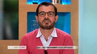 Marina Carrère d'Encausse et Benoît Thevenet expliquent le cancer du testicule.