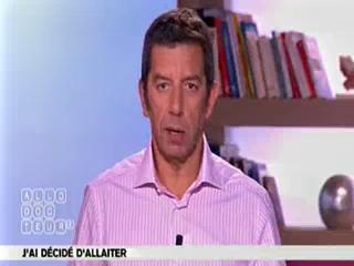 Marina Carrère d'Encausse et Michel Cymes expliquent l'allaitement.
