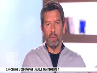 Marina Carrère d'Encausse et Michel Cymes expliquent le cancer de l'œsophage.