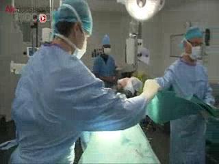 Attention images de chirurgie ! La néphrectomie correspond à l'ablation du rein.