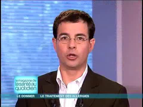 Michel Cymes et Benoît Thevenet expliquent la production d'anticorps.