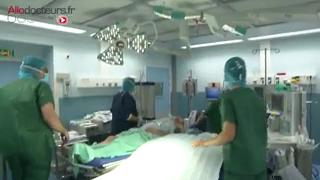 Attention images de chirurgie ! Traitement chirurgical d'une tumeur à cellules géantes
