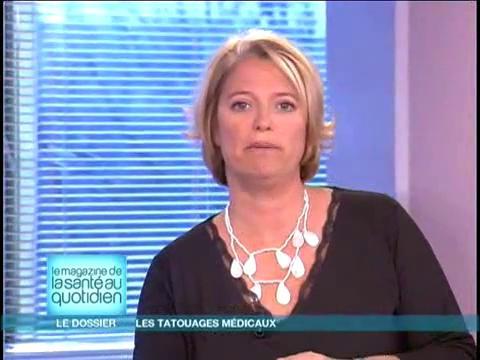Marina Carrère d'Encausse et Michel Cymes décrivent les différentes utilisations des tatouages médicaux.