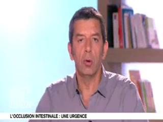 Michel Cymes et Benoit Thevenet expliquent les causes de l'occlusion intestinale.