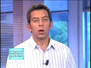 Michel Cymes et Benoît Thévenet expliquent le rôle de l'interniste.