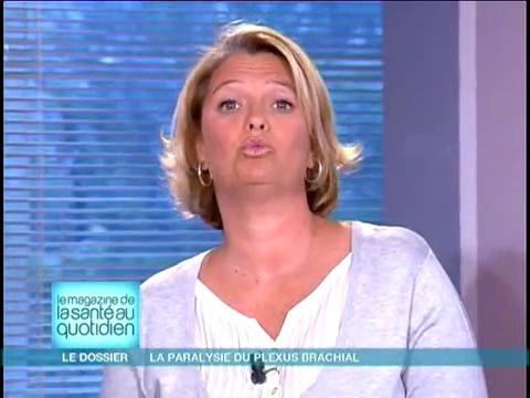 Attention, images d'intervention chirurgicale : Marina Carrère d'Encausse et Michel Cymes expliquent les complications de la paralysie du plexus brachial.