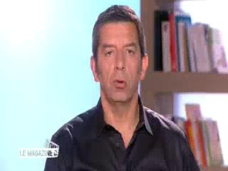 Marina Carrère d'Encausse et Michel Cymes expliquent le décollement de la rétine.