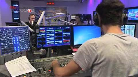 Les radios donnent la parole aux ados qui peuvent évoquer librement leur sexualité.