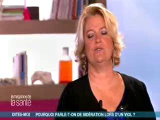 Marina Carrère d'Encausse et Michel Cymes expliquent les réactions du cerveau lors d'un viol, d'après les travaux du Dr Muriel Salmona, psychiatre.