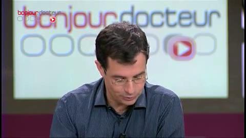 Coup de gueule de Michel Cymes contre les médecins généralistes qui déconseillent la vaccination contre la grippe A.