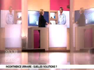 Marina Carrère d'Encausse et Michel Cymes expliquent les incontinences urinaires