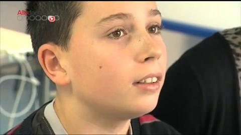 Consultation avec Kylian, 13 ans, il souffre de tics depuis l'âge de 7 ans.