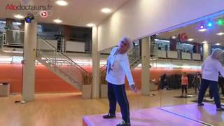 Séance de gym adaptée aux seniors