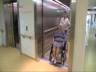Des tests sont effectués pour évaluer la dépendance d'une personne âgée
