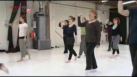 Un plancher de danse vibrant pour permettre aux personnes sourdes et malentendantes l'apprentissage du rythme