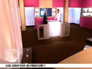 Marina Carrère d'Encausse et Michel Cymes expliquent les séquelles de la prématurité.