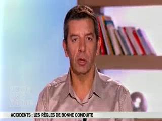 Michel Cymes et Benoît Thevenet expliquent les lésions provoquées par un accident de la route.