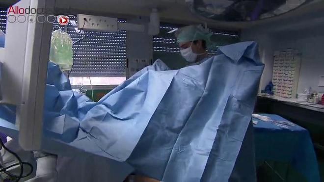 Attention, images d'intervention chirurgicale : l'opération a lieu sous anesthésie générale