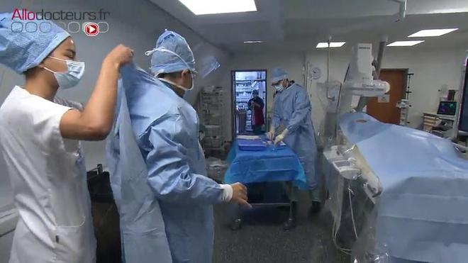Attention, images de chirurgie ! Traitement par embolisation d'un adénome de la prostate