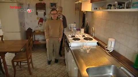 François, 55 ans, atteint de trisomie 21, est accueilli chez ses parents octogénaires.