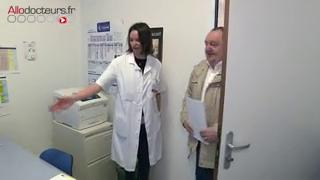 L'écho-doppler associe l'échographie et l'effet doppler pour diagnostiquer et surveiller les phlébites.