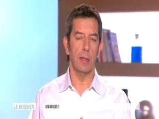 Marina Carrère d'Encausse et Michel Cymes expliquent la formation des cernes.