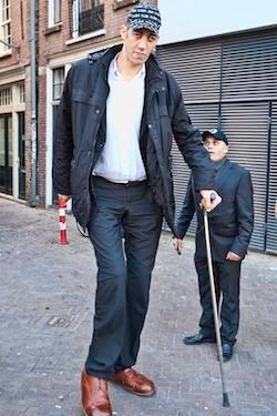 Le plus grand homme du monde