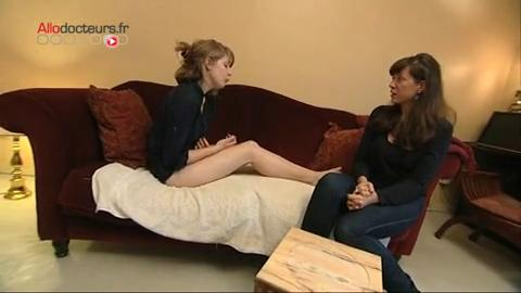 Gommage pré-épilation au citron, gommage des pieds au sucre doux... les astuces de grand-mères pour avoir de belles jambes et de beaux pieds
